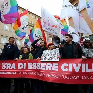 """Unioni civili, Renzi: """"Giusta battaglia all'utero in affitto. Ora si voti"""""""
