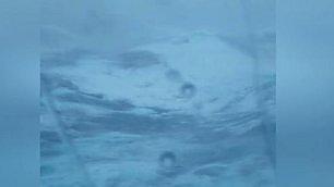 Nave in balìa delle onde le immagini della tempesta    Foto  I danni a bordo