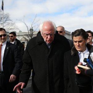 """Primarie Usa, in autobus con Sanders: """"Riprendiamoci l'America"""""""
