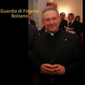 """Bolzano, arrestato monsignore argentino: """"Truffa da 30 milioni di euro"""""""