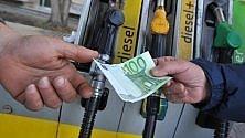 Mantenere l'auto in Italia costa quanto un figlio