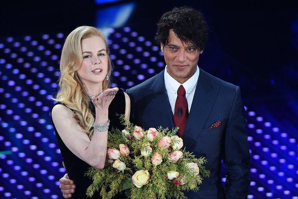 Mazzi Di Fiori Sanremo 2016.Sanremo Nicole Kidman Ipnotizza L Ariston E Gabriel Garko