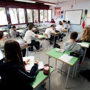 Scuola, siglato contratto sulla mobilità: al via ambiti territoriali e chiamata 'diretta' dei presidi