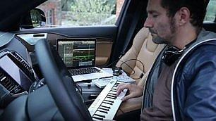 Boosta compone sul Suv Volvo L'ispirazione nei boschi senesi
