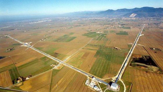 """Ecco come funziona """"Virgo"""", lo strumento che dà la caccia alle onde gravitazionali"""