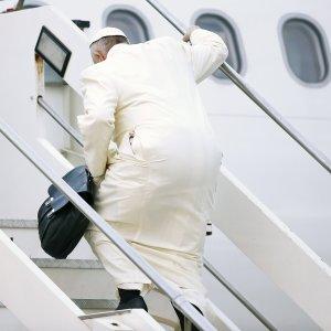 """Il Papa in viaggio per il Messico, a Cuba l'incontro con il patriarca Kirill: """"Un dono di Dio"""""""
