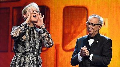 """Risate e impegno. Clooney vede la Merkel e Meryl Streep dice: """"Siamo tutti africani"""""""
