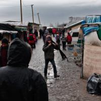 Migranti: Austria costruirà barriera al Brennero. E a Calais parte lo sgombero