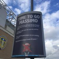 """Leeds, tifosi comprano un cartello allo stadio: """"Cellino, è ora che te ne vai"""""""