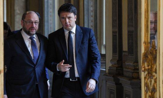 """Renzi incontra Schulz: """"Vogliamo che Ue si muova"""""""