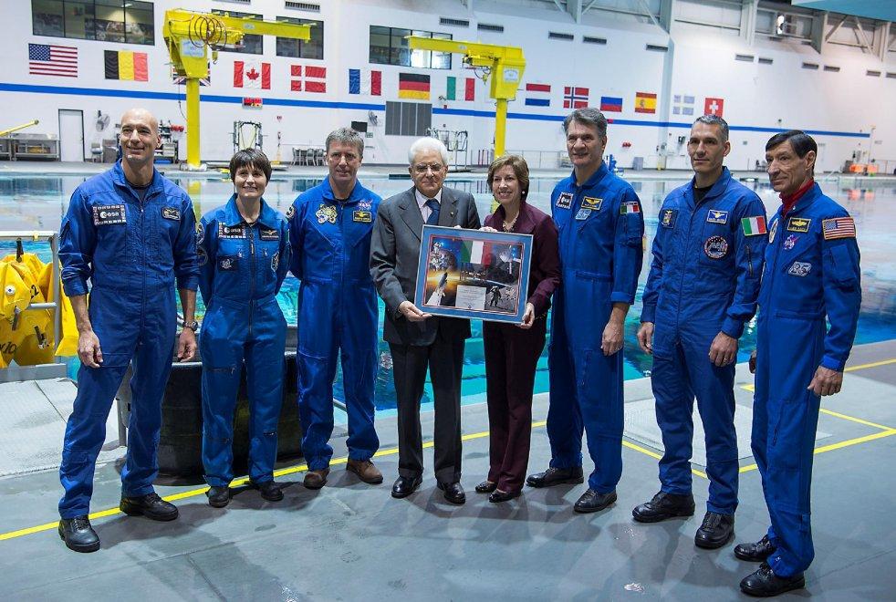 """Mattarella alla Nasa con gli astronauti italiani: """"Orgoglioso"""""""