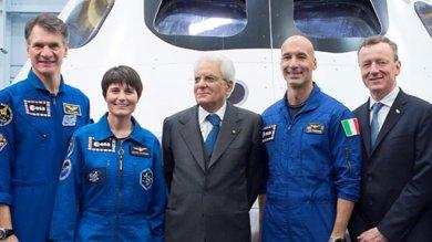 """Mattarella a Houston visita la Nasa   video   con gli astronauti italiani: """"Orgoglioso"""""""