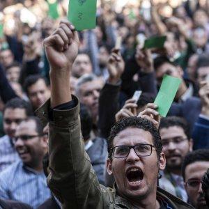 Regeni, cronisti pedinati e fotografati: il pressing della paura nelle strade del Cairo