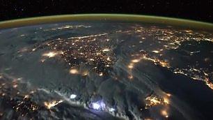 Fulmini sul Mediterraneo la tempesta vista dalla Iss