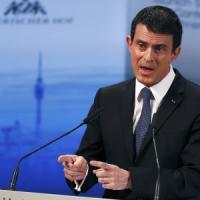 """Is, Valls: """"Ci saranno altri grandi attentati"""""""