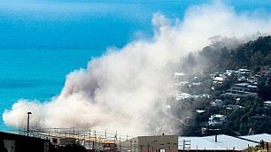 Terremoto 5,7 colpisce il Paese il crollo della scogliera