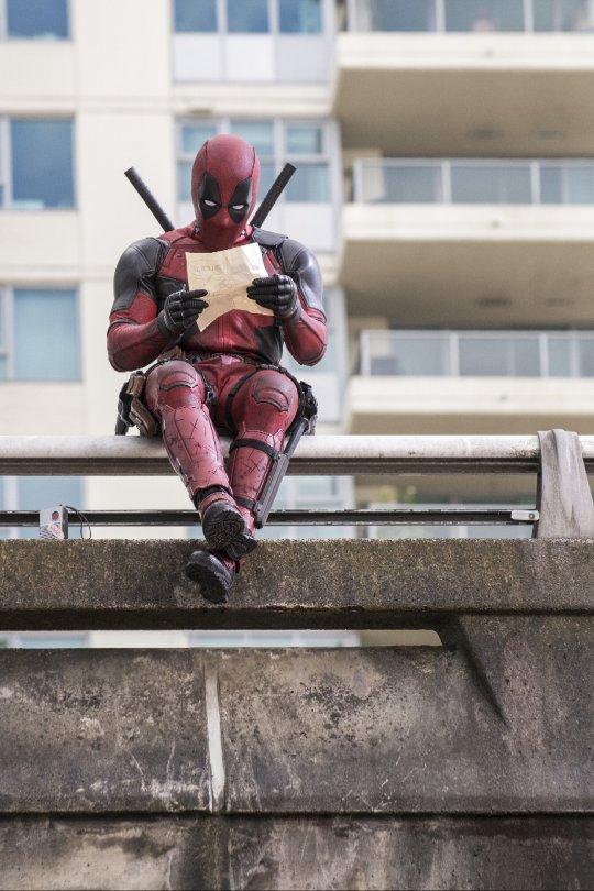 """""""Deadpool"""" straccia il botteghino in Usa, è record per un film vietato ai minori di 17 anni"""