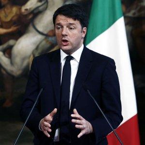 """Renzi sul fisco: """"Tasse scendono, ma è impossibile accontentare tutti"""""""