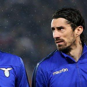 Lazio: con il Galatasaray torna Bisevac, nuovo infortunio per Gentiletti