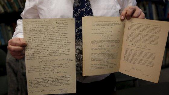 Ecco il manoscritto con l'equazione di Einstein sulle onde gravitazionali