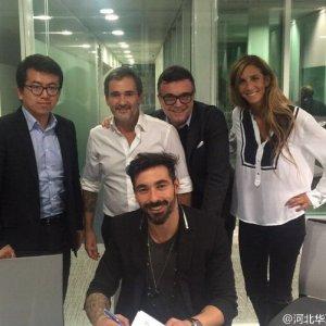 Vola in Cina anche Lavezzi: all'Hebei per 15 milioni a stagione