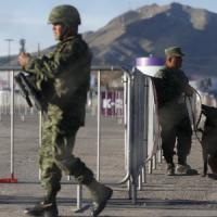 Papa Francesco, ultimo giorno in Messico: messa tra i migranti al confine con Usa