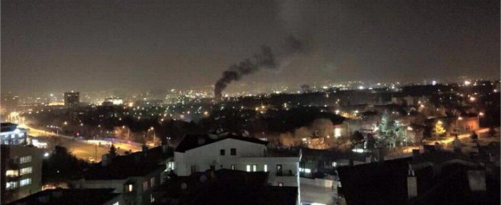 """Ankara, esplosione investe mezzo militare: 28 morti e 60 feriti. Media: """"Attentatore è cittadino curdo-siriano"""""""
