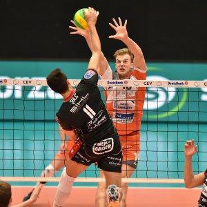 Volley, Champions league: Modena crolla ad Ankara, Trento vince al tie break con l'Asse Lennik
