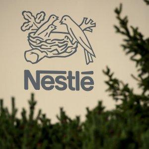 Noodles indigesti per Nestlè: l'utile crolla per lo scandalo indiano