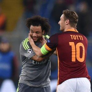 """Roma, Totti tra malinconia e battute: """"Dichiarazioni? Ma che ci fai con me..."""""""