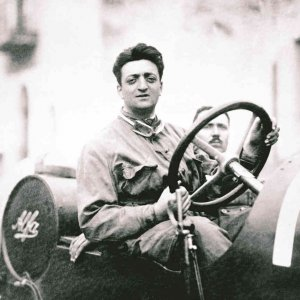 Enzo Ferrari Day, il mito corre on line