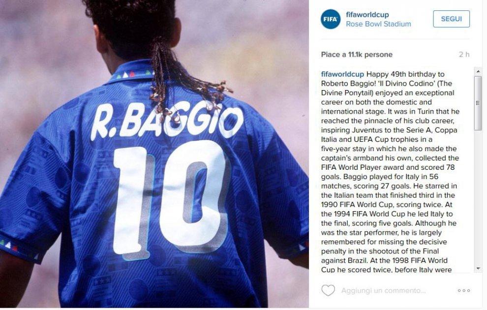 Roberto Baggio compie 49 anni: gli auguri su Twitter al 'Divin Codino'