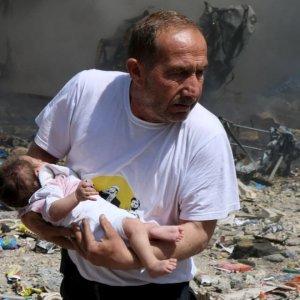 Siria, civili sotto attacco: il 30-40% sono donne o bambini