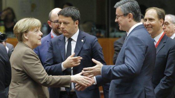 """Renzi al summit Ue sui migranti: """"Solidarietà per tutti o chi si tira fuori non avrà fondi"""""""