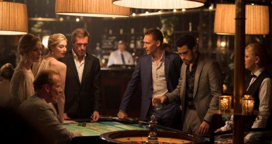 """Hugh Laurie torna in tv: """"Volevo essere un agente segreto, sono finito a fare il trafficante"""""""