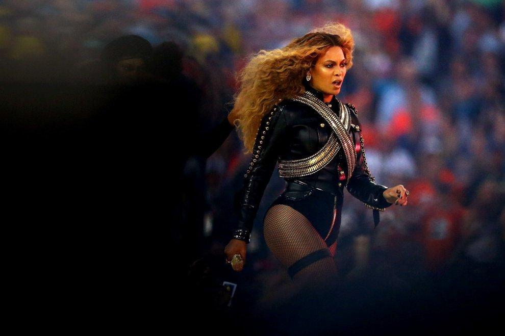 Polizia di Miami boicotta show di Beyoncé: la protesta dopo l'esibizione al Super Bowl