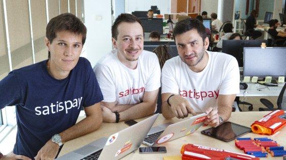 Pagare il conto con lo smartphone, l'app italiana che sfida Apple e banche
