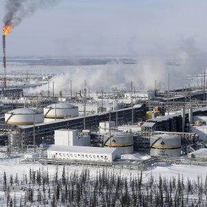 Mosca vende pezzi di aziende di Stato: Rosneft sul mercato