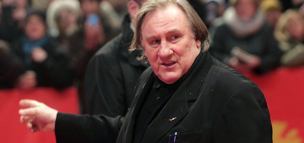 "Berlino, Depardieu contro tutti: ""A Cannes le mummie, americani banali. Putin? Lo ammiro"""