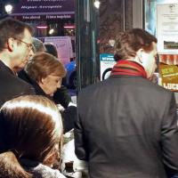 Bruxelles, pausa con patatine per Angela Merkel