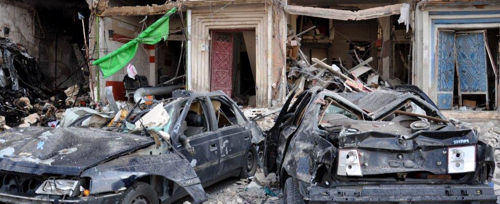 Is, serie di attentati in Siria: 4 bombe a Damasco. Doppio attacco a Homs. Almeno 142 morti