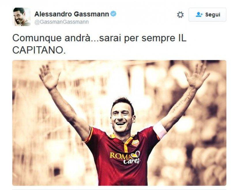 """Totti """"cacciato"""" da Spalletti, i tifosi su Twitter tra indignazione e ironia"""