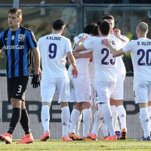 Serie A: vince la Fiorentina. La Lazio pareggia col Frosinone e la Roma travolge il Palermo