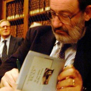 """Umberto Eco e la """"musa"""" della morte"""
