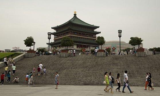 Terracotta e cemento. I contrasti della Cina della Seta
