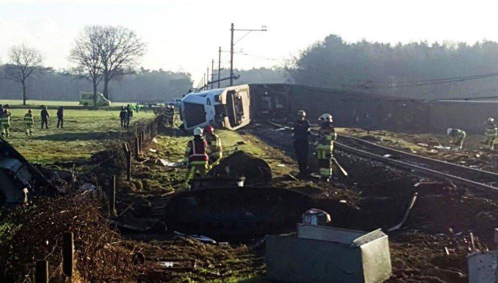 Paesi Bassi, treno deraglia nel nord del paese