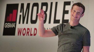 """Zuckerberg lancia Telecom Infra Project """"Vogliamo portare internet ovunque"""""""