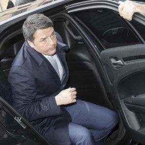 """Unioni civili, Renzi: """"Basta M5s"""". Senatori Pd: ok a maxiemendamento. E Alfano parla di grande vittoria"""