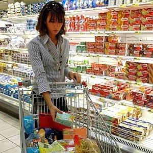 Consumi fermi al palo: le riserve degli italiani sono cresciute del 4%