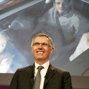 Peugeot: torna in utile nel 2015, nuovo piano strategico a aprile